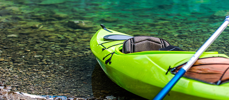 Kayak at the water side